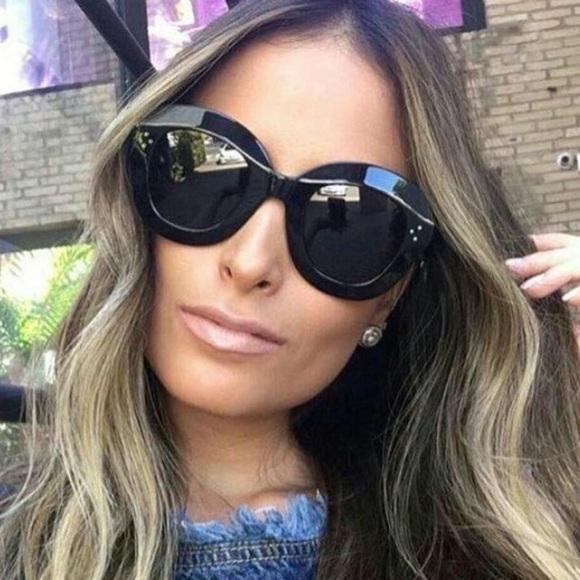 fe1a2c01e1 Celine Accessories - New Celine Lola CL 41445 S black sunglasses 🕶